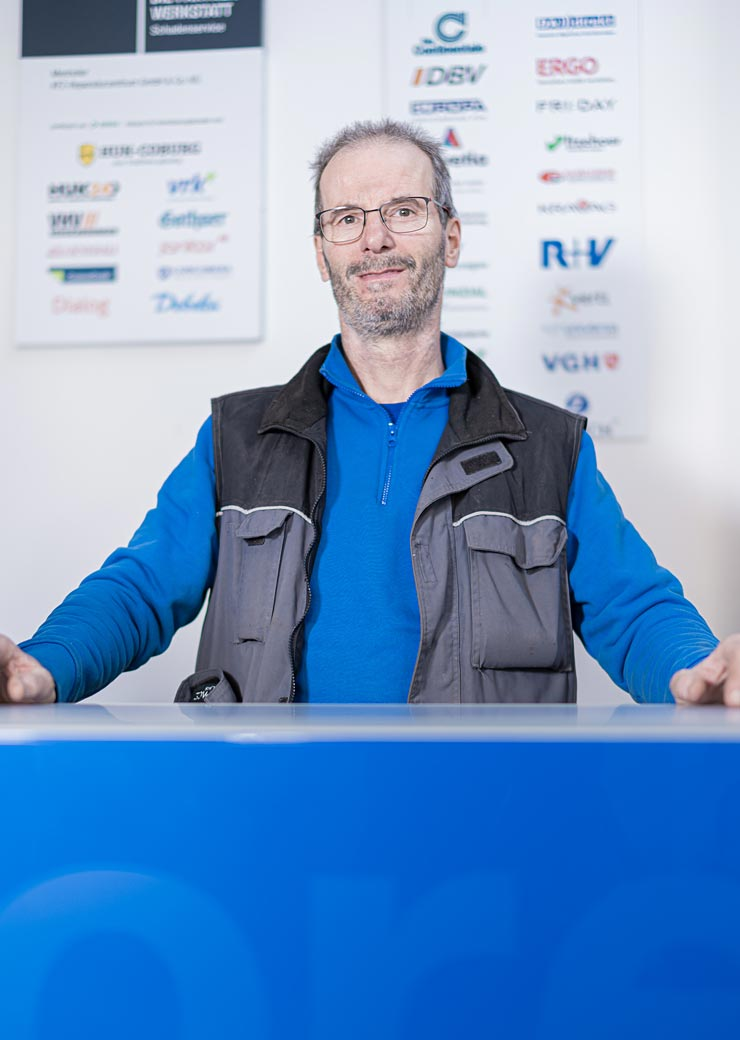 Leo Menhofer Lackierermeister und Organisation